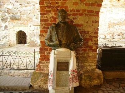 Надгробие последнего кошевого атамана Запорожской сечи П.Кальнышевского в Соловецком монастыре.